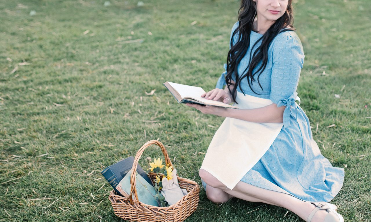 EASY ADULT BELLE COSTUME