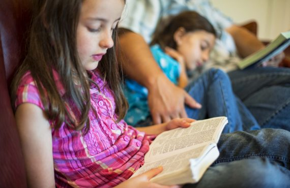 10 Tips to Win at Family Scripture Study
