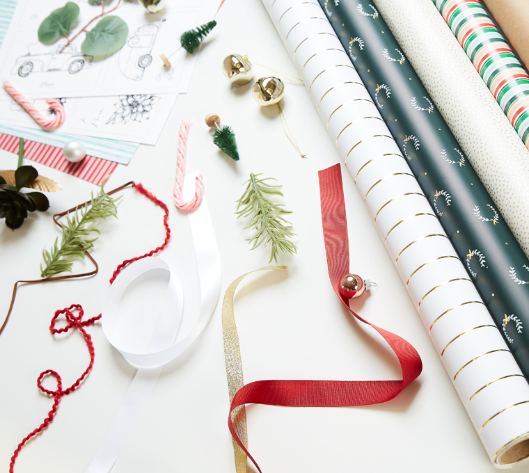 Ways to add embellishments to presents using these free printable gift tags. Check out the classic Christmas gift wrapping ideas as well as the bohemian christmas gift wrapping ideas.