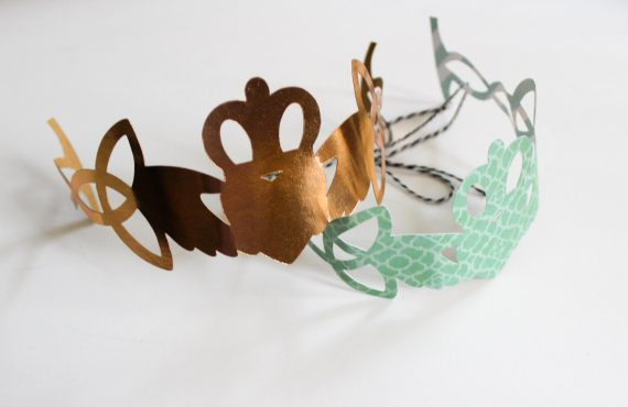 DIY Claddagh Crown for St. Patrick's Day